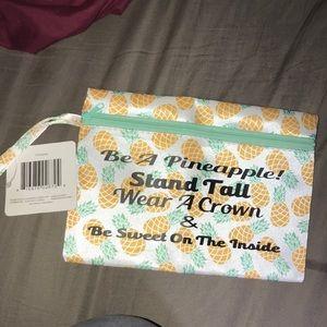 pineapple makeup holder